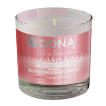 Массажная свеча DONA Massage Candle Flirty Aroma Blushing Berry 135 г