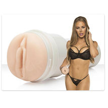 Мастурбатор вагина Fleshlight Signature Nicole Aniston Fit, телесный