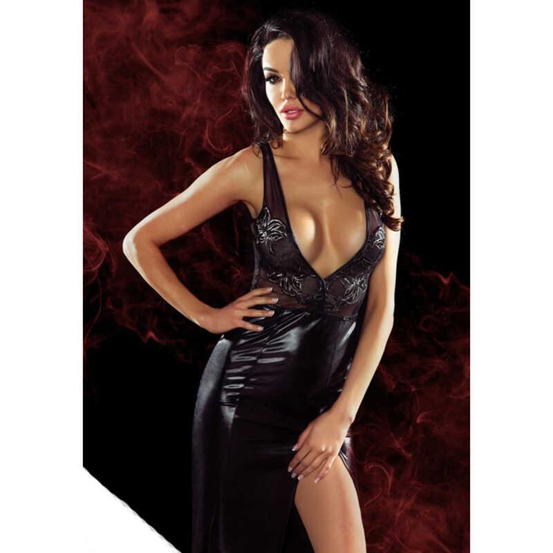 В платье с глубоким декольте и чулках порно видео